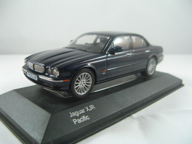 Vanguards VA09100 Jaguar XJR 2003 Model (Pacific Blue) (c) 2004. Diecast  1/43 Scale