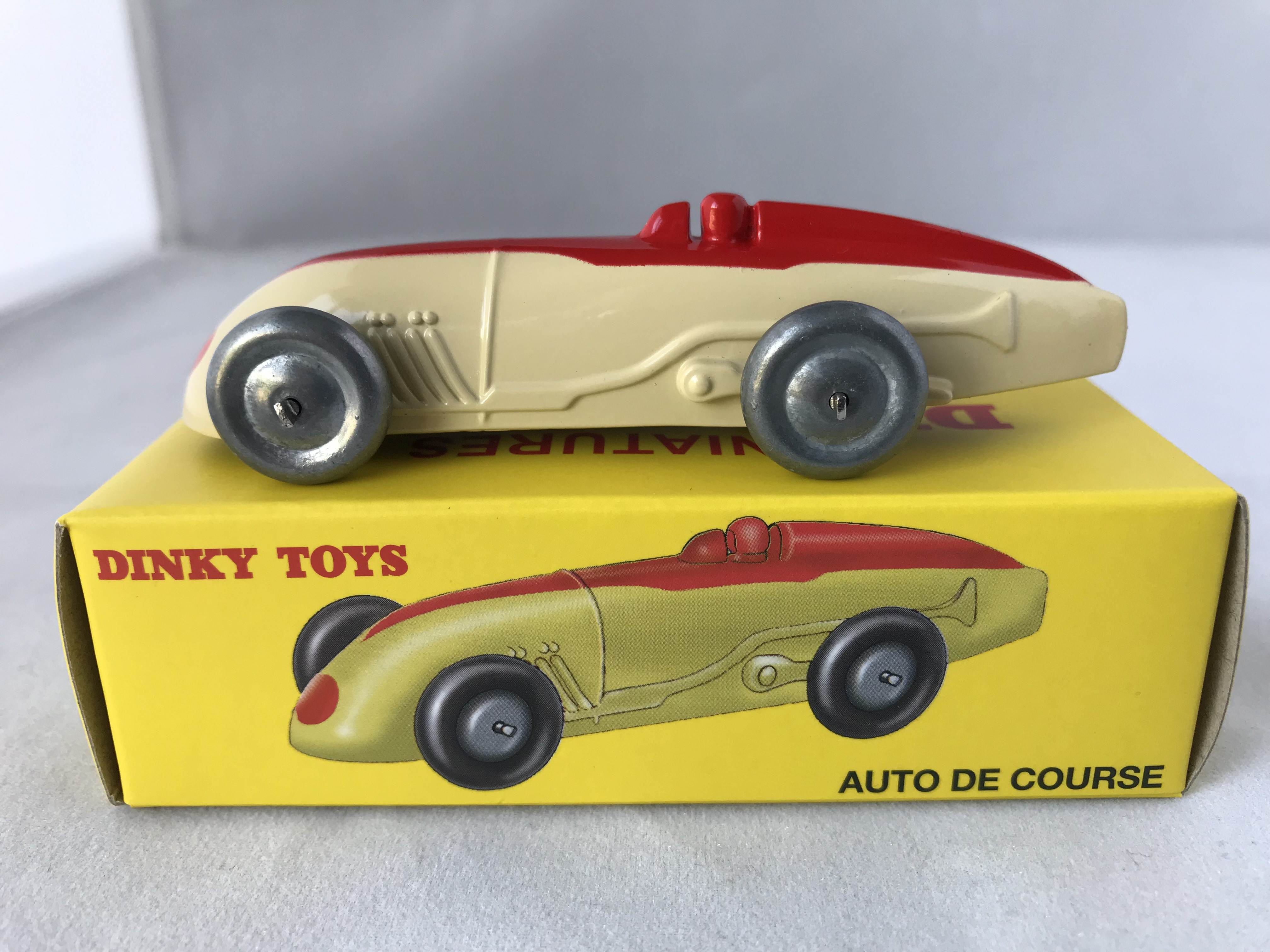 Atlas 1//43 Dinky toys 547 PL 17 Panhard Red Diecast Models Limited Edition Car